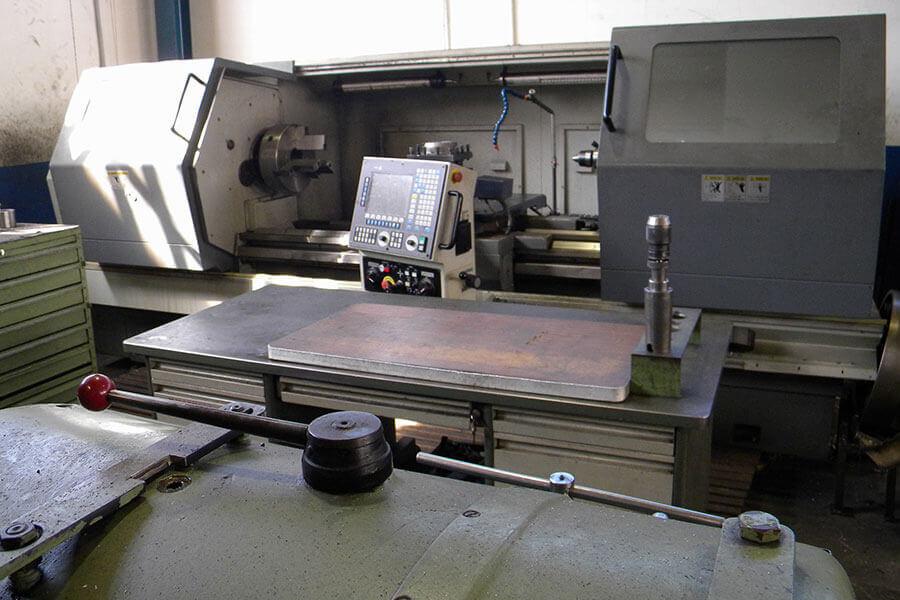 Torno CNC Dalian Tool Machine Ø Mecanizado 800 x 1900.