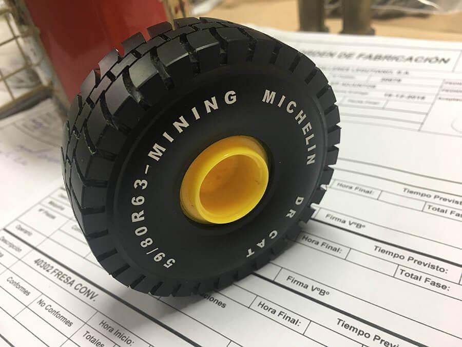 Copia rueda Michelin maquetas maquinas Industrias Loher